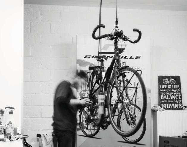 fietsenzaak_fietswinkel_fietsherstelling_eeklo_covelo_BBB_stevens_kask_diadora_10